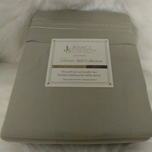 Jessica Sanders 1800 Sage Green King Size Sheets